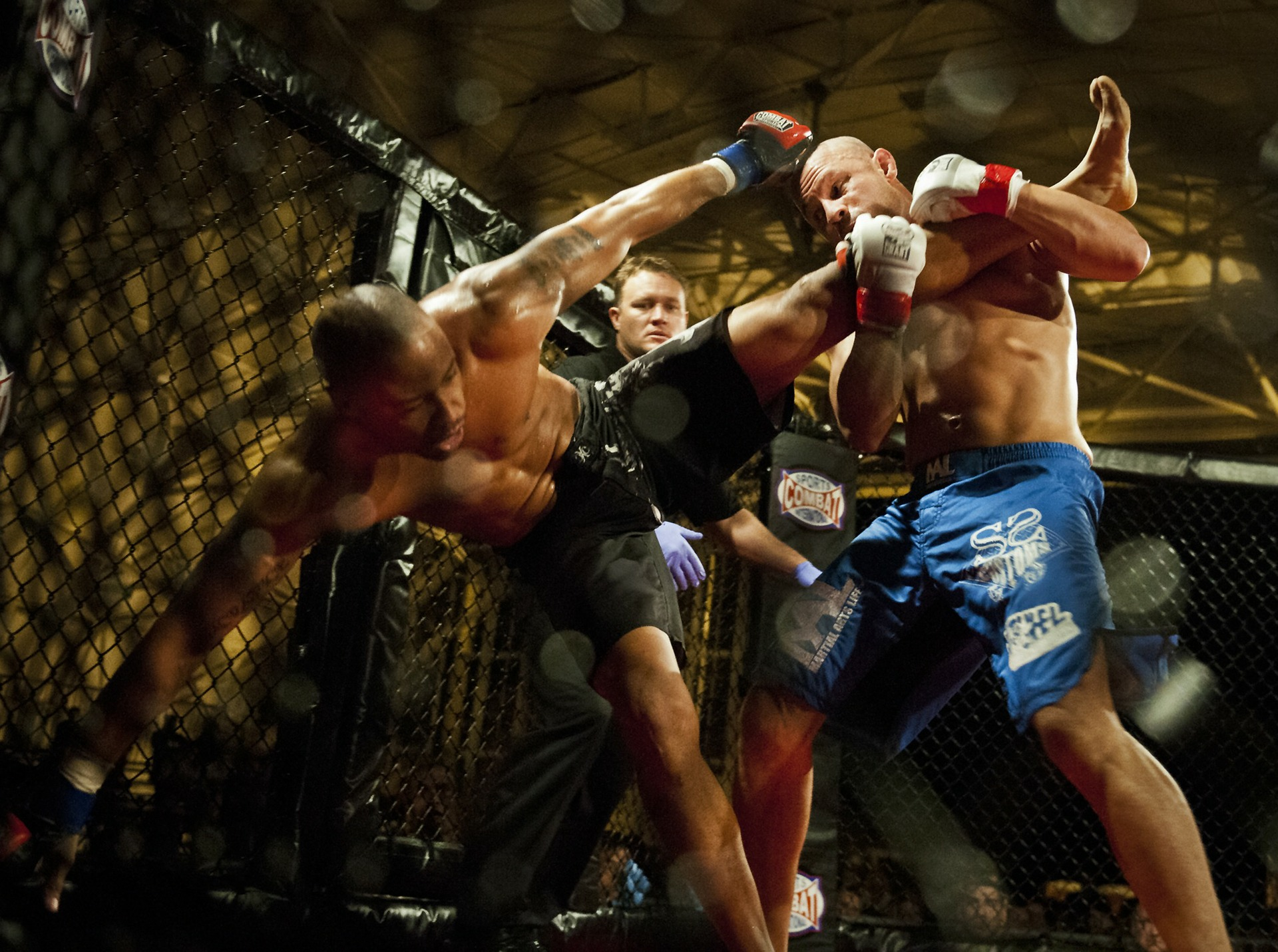 MMA or Boxing? Which is Better for Self-defense and Fitness?