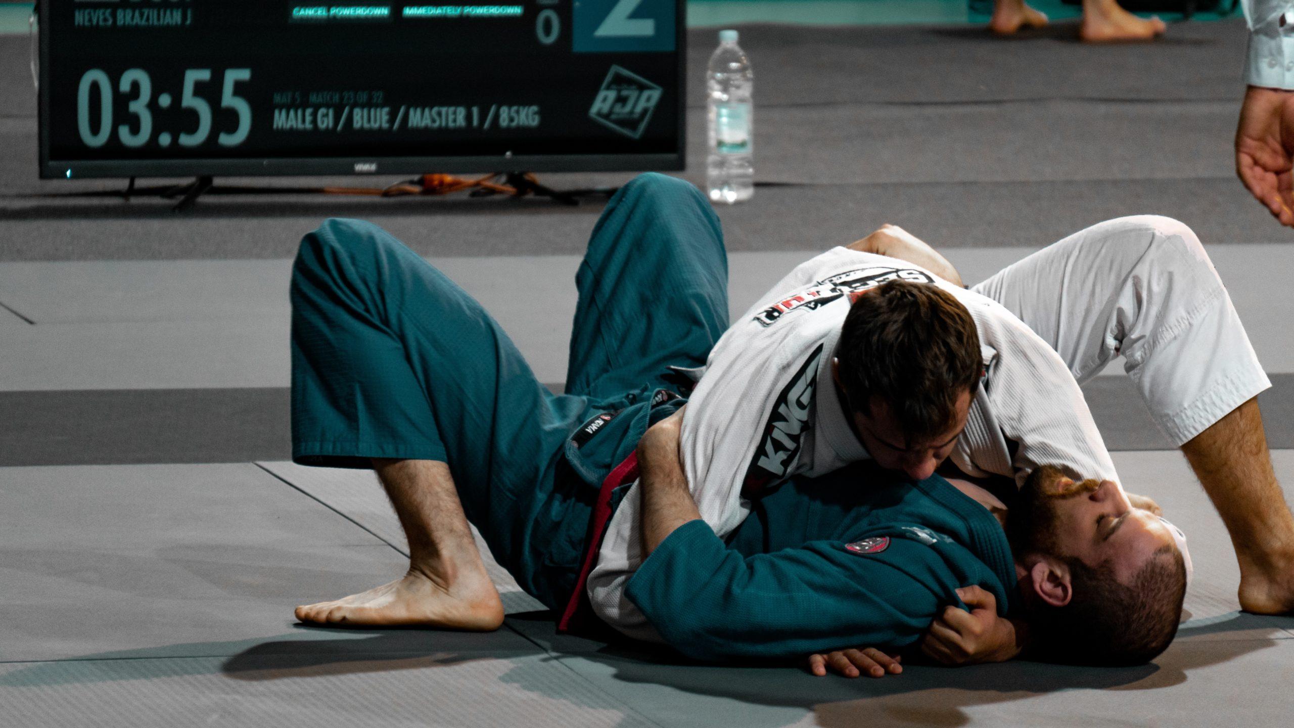 Difference Between Japanese (Traditional Jiu-Jitsu) and BJJ | FighterCulture