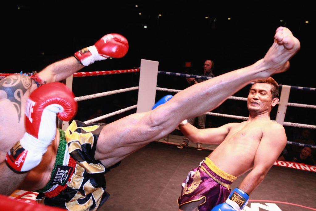 muay thai kick