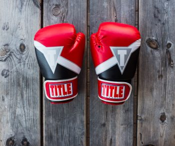 boxing-gloves-8oz-vs-10oz