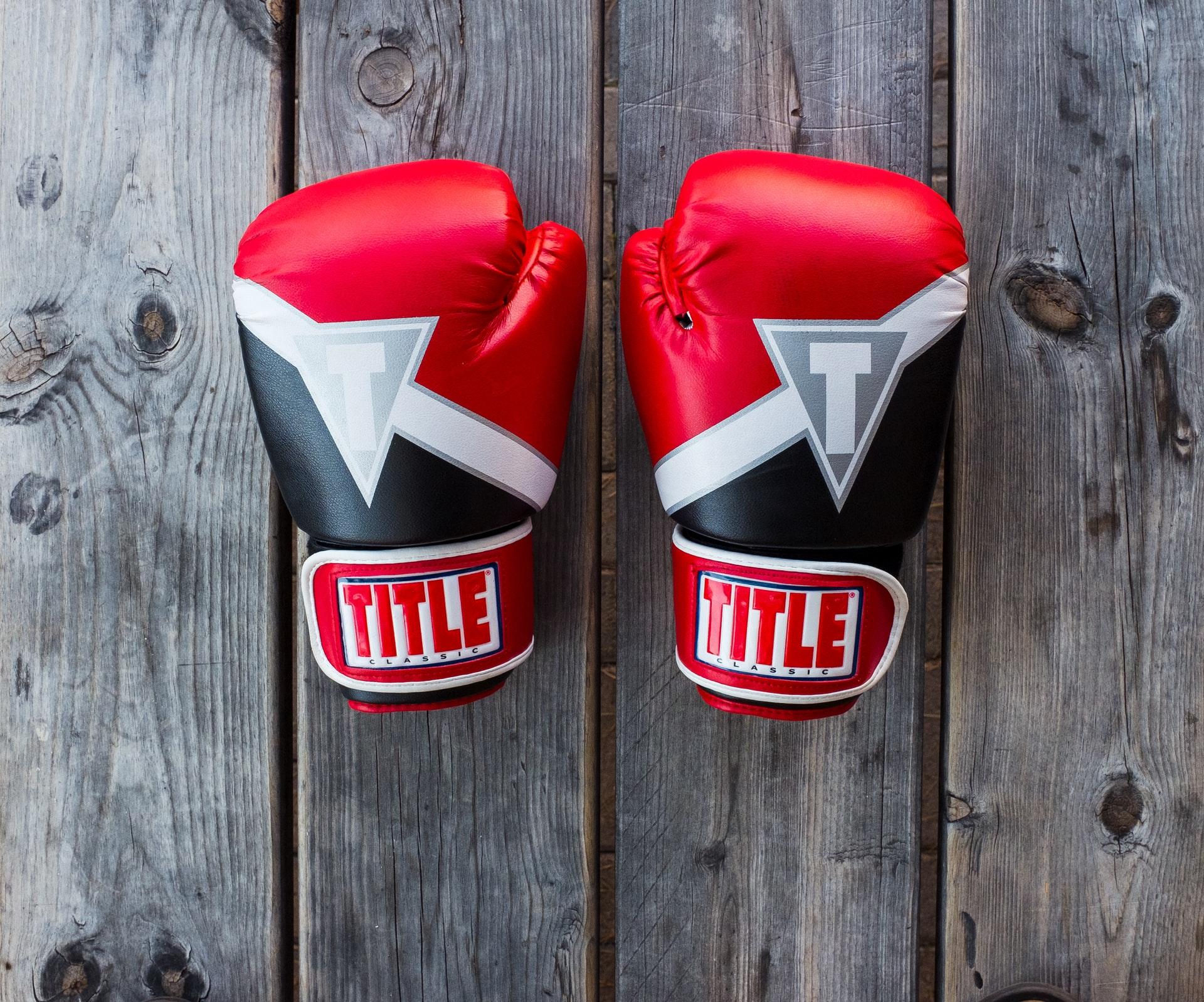 boxing-gloves-8oz-vs-10oz